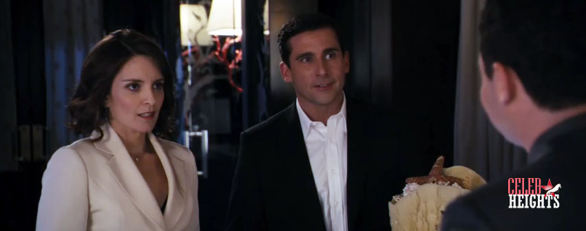 Tina Fey (5'4.5'') with Steve Carell (5'9'') in Date Night (2010)